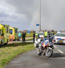 Traumahelikopter ingezet bij aanrijding tussen wielrenner en trekker Friesestraatweg